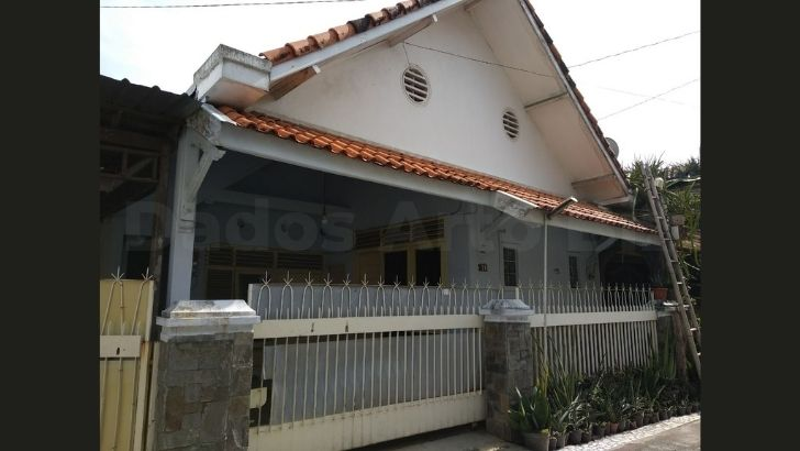 rumah-jual-dijual-pleburan-barat-semarang-h1-056-01